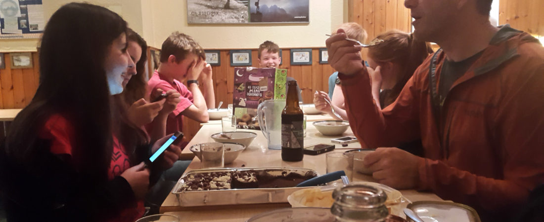 group accommodation in snowdonia, dinner
