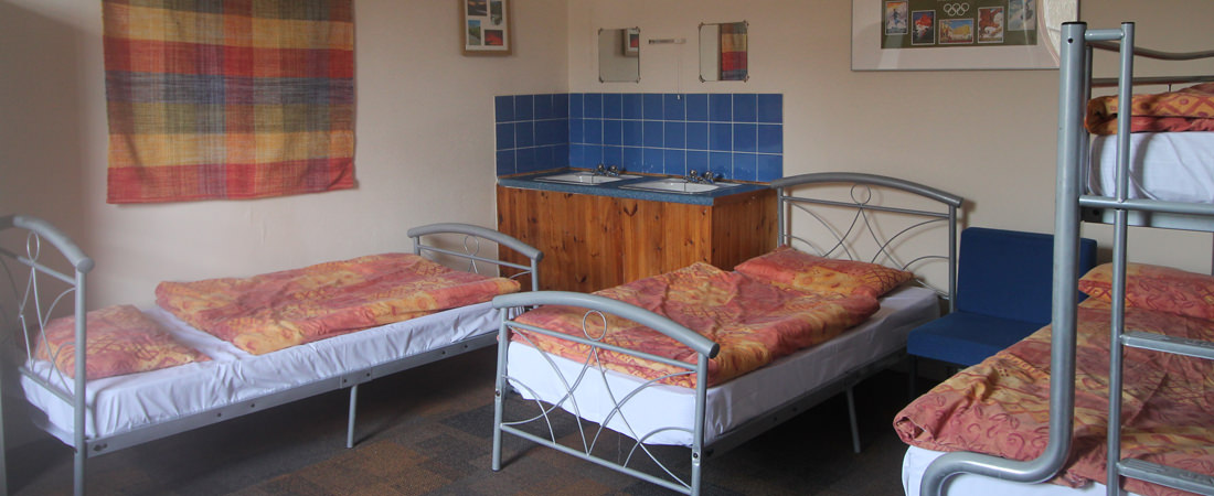 group accommodation in snowdonia, family room